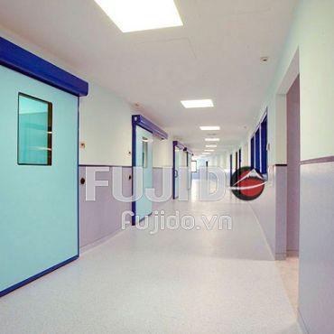Cửa tự động được lắp trong những không gian nào ở bệnh viện?