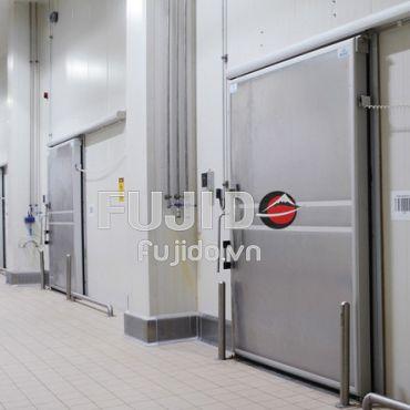 Vì sao cửa kho lạnh là thiết bị không thể thiếu đối với các nhà máy?